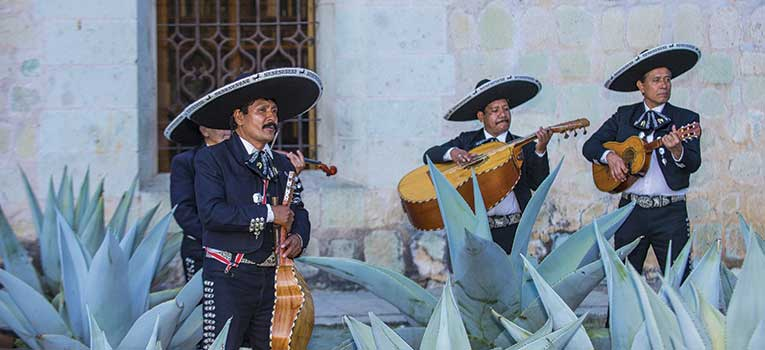 Allianz Global Assistance - Travel Guides: Top 10 Experiences in Mexico